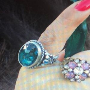 Oval Blue Crystal Stone Ring- NWOT